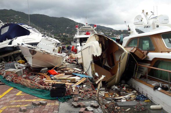 Rapallo, il porto devastato dalla mareggiata
